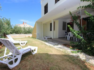 Photo for Inexpensive apartment in Medulin with kitchen, bathroom, air conditioning, terrace, garden with barbecue and only 1 km to the sandy beach