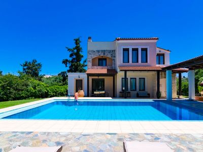 Photo for Villa Kefalas: Large Private Pool, A/C, WiFi