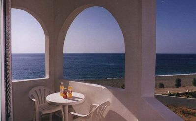Photo for Makrigialos: big family apartment with 2 bedrooms, spacious living-room by the sea