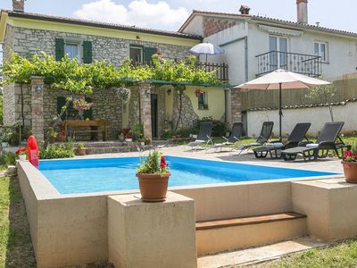 Photo for Charming holiday home with private pool near Labin, beach 13 km
