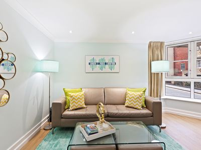 Photo for Sophisticated 2 Bed, 2 Bath apt in Angel
