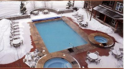 Hot tubs and pool... heated and WONDERFUL for relaxing!