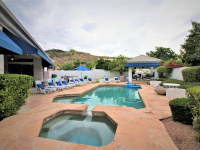 Photo for LUXURY RESORT-STYLE, POOL/SPA, MOUNTAIN VIEW, HIKE, GOLF, NEAR EVENTS!