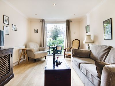 Photo for Homey Brompton Park Apartment - DNT