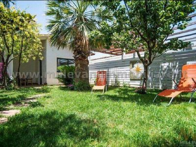 Photo for Villa with garden and private descent 50 meters from the sea