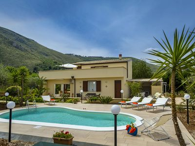 Photo for Beautiful detached villa with private pool surrounded by hills and nature.