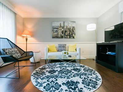 Photo for Comfy & Cozy 1 bedroom Apartment in Desirable Royal Oak!