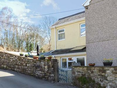 Photo for CWMTWRCH COTTAGE, pet friendly in Cwmtwrch, Ref 922290