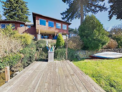Hidden Gem: 1-Acre Lakefront Home w/ Private Hot Tub, Dock & Provided Kayaks