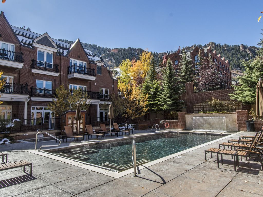 Hyatt Grand Aspen Residence Club Condo In Downtown And 1