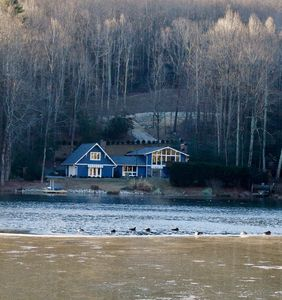 Photo for Spacious lakefront home - 30 minutes to TIEC!