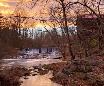 Photo for ☆Epic Mill & Falls☆ Mt Airy|Hng Rck|Plt Mtn|HotTub