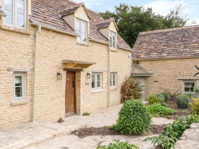 Photo for Easter Cottage, BURFORD