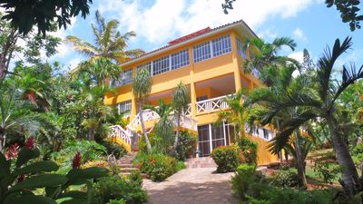 Studio Close To The Beach In A Tropical Setting