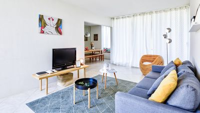 Photo for Quiet and cozy apartment near the sea in Cascais