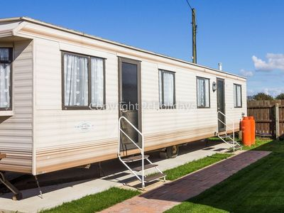 Photo for Great 6 berth mobile home, perfect for a beach holiday in Hunstanton ref 13007