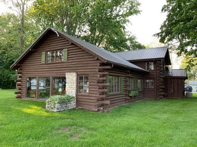 Photo for Stunning lakefront log cabin