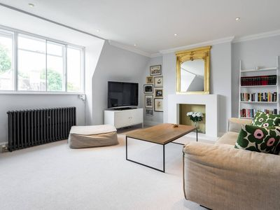 Photo for Sumptuous 2 bed 2 bath in Chelsea