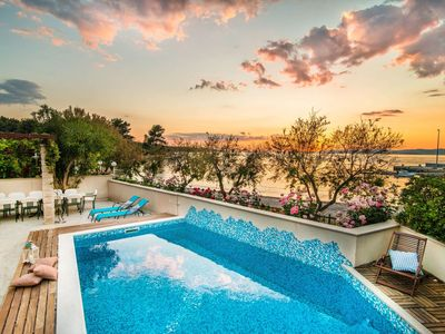 Magnificent Villa in Supetar with Swimming Pool