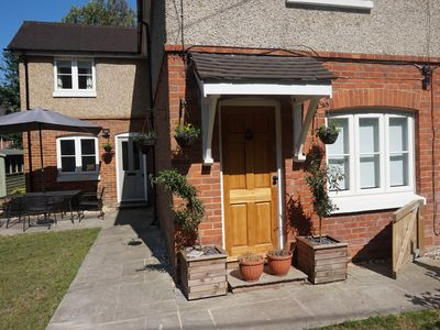Photo for Beautiful cottage in the heart of Lyndhurst