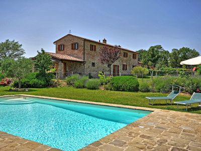 Photo for Private Villa with private pool, hot tub, A/C, WIFI, TV, patio, panoramic view, close to Cortona