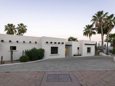 Photo for 4 Bedrooms Villa on a  Beach Community Steps to Golf, Tennis and Restaurants,