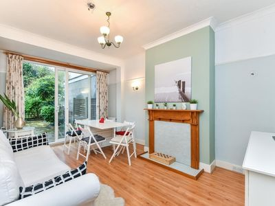 Photo for 4BR Apartment Vacation Rental in London, England