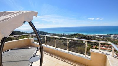Photo for Superb penthouse with magnificent views in luxury holiday complex in Alanya