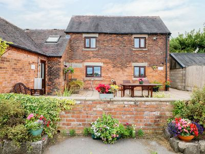 Photo for ALICE'S COTTAGE, pet friendly, with a garden in Tean, Ref 979694