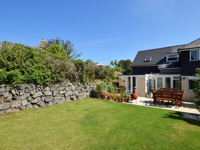 Photo for Charming holiday home in St. Ives with bathtub, garden, and private parking