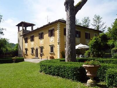 Photo for Charming country Tuscany Villa close to Florence