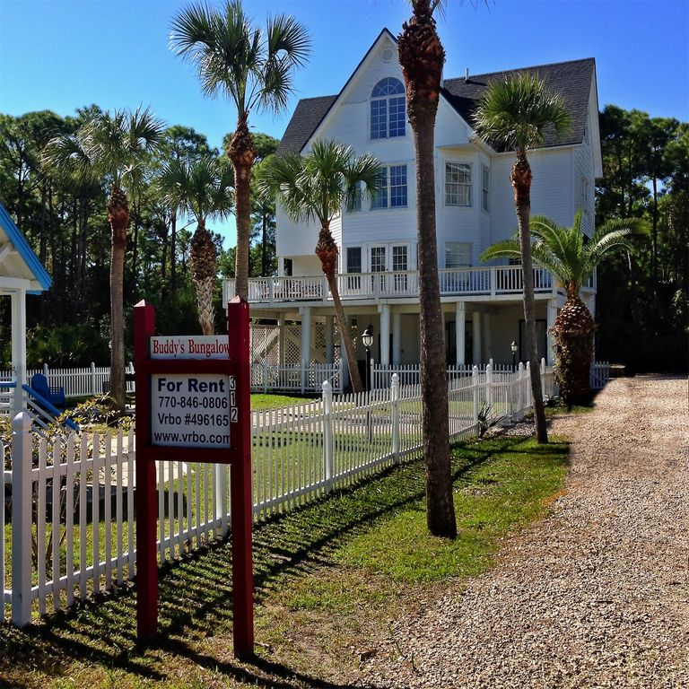 Beach House Pet Friendly Rentals: Close To Beach, Private Pool, Pet Friendly, Affordable