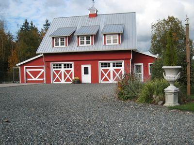 Front view of Red Barn Loft. Loft rental is the upper floor of ~1000 sf 2bd 1bth