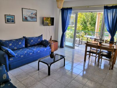 Photo for Cozy apartment at Lefkandi beach