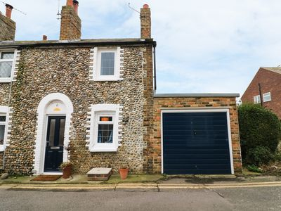Photo for 6 FLINT COTTAGES, with a garden in Minnis Bay, Ref 967079