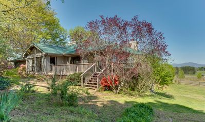 Photo for Hilltop House: Luxury accommodations w/Equestrian facilities.  Close to TIEC and everything in the area.