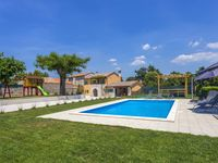 Wonderfull house, big pool, clean rooms, nice garden, outdoor kitchen, BBQ: excellent place!