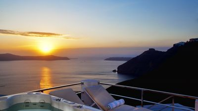 Photo for Villa Mill Huit, Fira, Santorini Caldera View Jacuzzi 3br upto 7guests