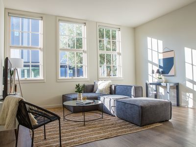 Photo for Delightful 1BR in Hayes Valley by Sonder