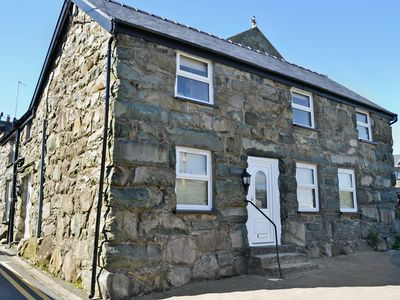 Photo for 5 bedroom accommodation in Trawsfynydd, near Blaenau Ffestiniog