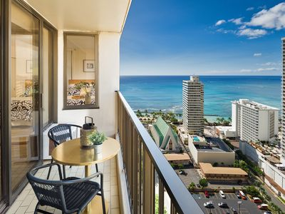 Photo for Beautiful 1 Bedroom at Waikiki Banyan