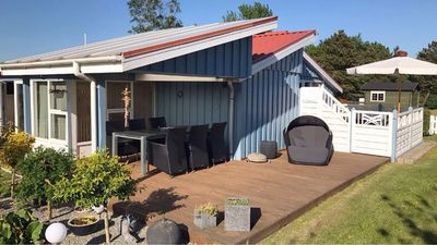 Photo for Child-friendly holiday home idyllically situated on the Little Belt on the Baltic Sea