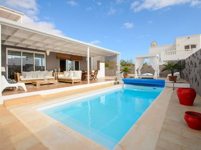Photo for Air-Conditioned Villa with Luxurious Pool Area & Terrace Close to Golf Course