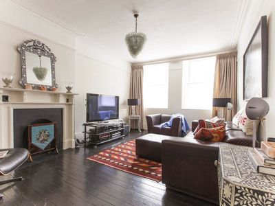 Photo for 3BR House Vacation Rental in Londres