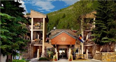 Photo for Beautiful 1 Bedroom Vail Condo, close to all. Pool, hot tubs, sauna, free WiFi.
