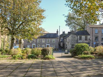 Photo for BAY LEAF COTTAGE, family friendly in Kirkby Stephen, Ref 983664