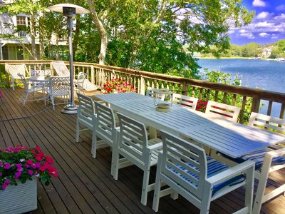 12 people can dine comfortably on the deck.