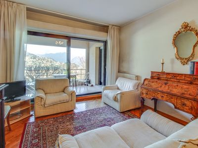 Photo for Relaxing view to discover the lake Como Free Wi-fi