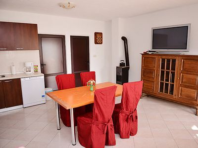 Photo for Apartment Sanja in Karlobag - 4 persons, 1 bedrooms