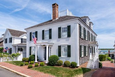Waterfront Captain's Home On Edgartown Harbor